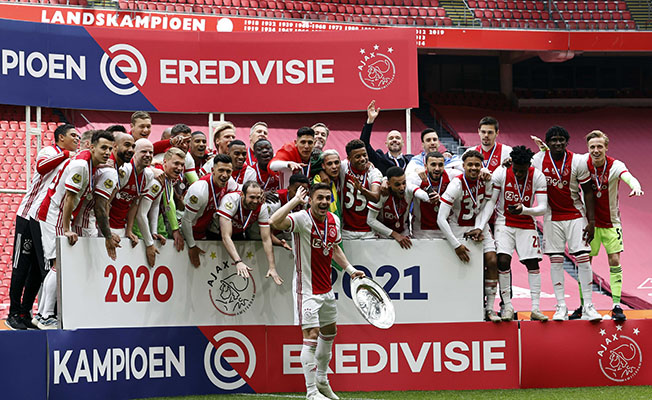 Hollanda'da şampiyon Ajax!